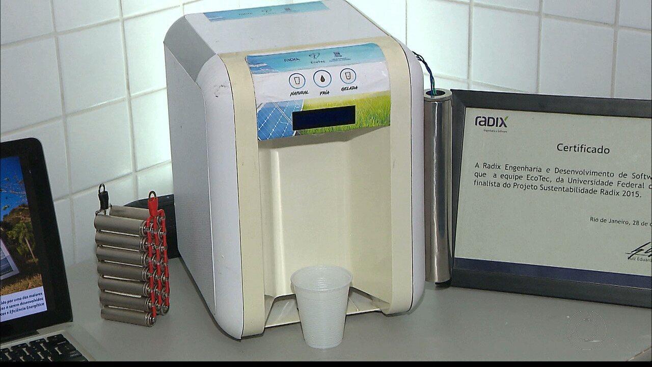 Estudante da UFPB desenvolve filtro e refrigerador de água que usa energia solar