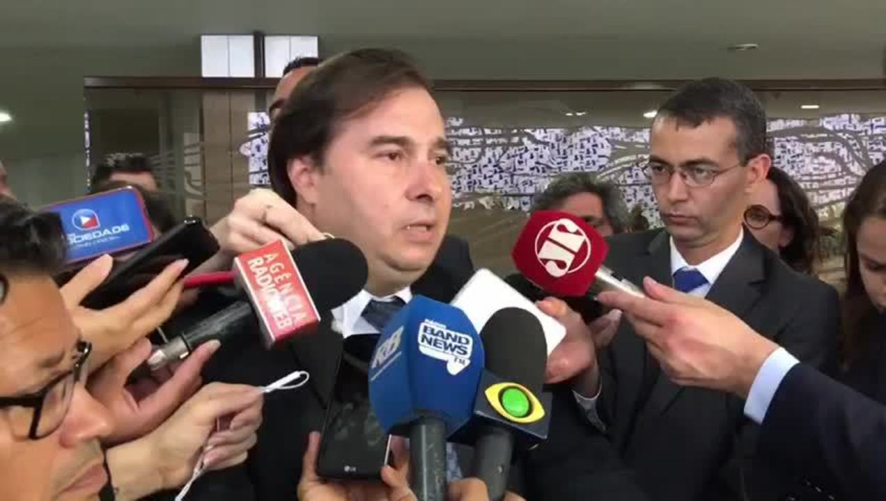 Rodrigo Maia anuncia adiamento para fevereiro da votação da reforma da Previdência