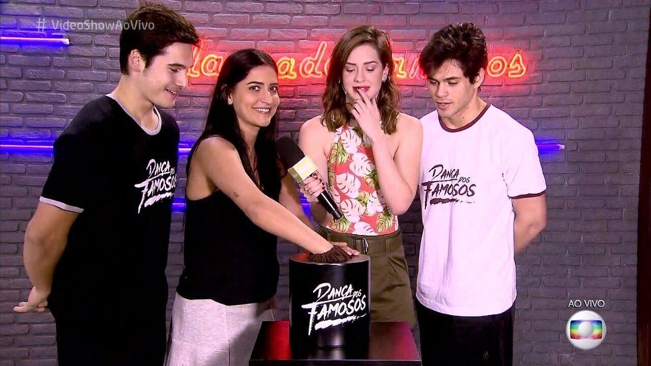 Lucas Veloso, Maria Joana e Nicolas Prattes sorteiam ordem na final do 'Dança dos Famosos'