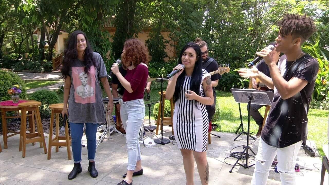 Finalistas do The Voice Brasil cantam: 'É Preciso Saber Viver'