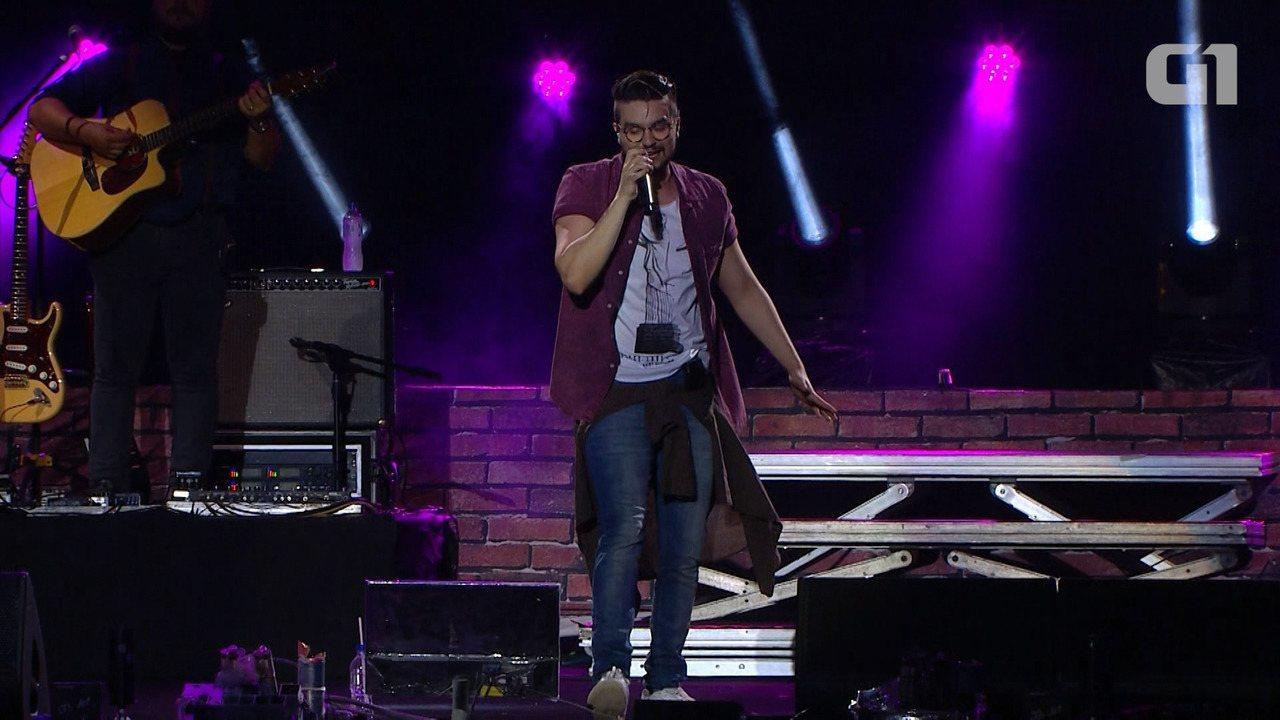 Festival de Verão: Luan Santana canta 'Chuva de Arroz' na Arena Fonte Nova