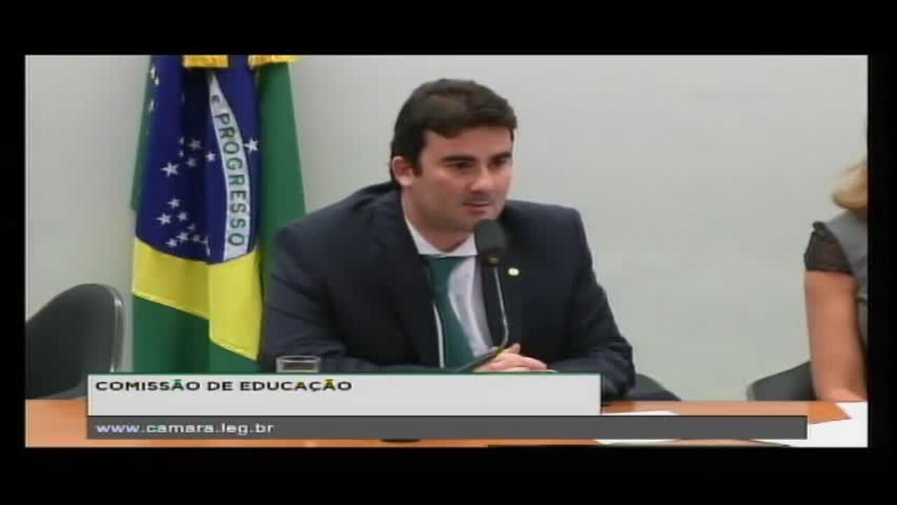 Caio Narcio (PSDB-MG) faz votação-relâmpago em plenário vazio e aprova em 1 minuto projeto