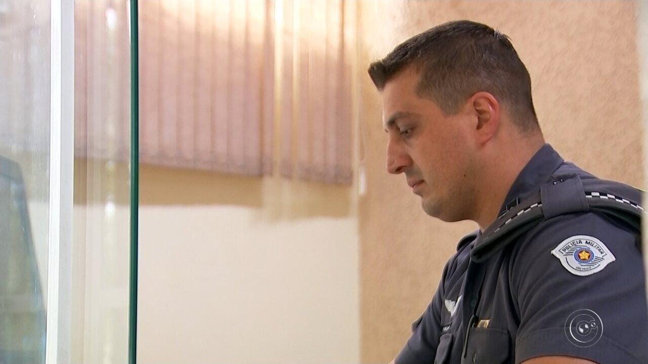 Policial recebe prêmio nacional por ter salvo colegas em carro em chamas