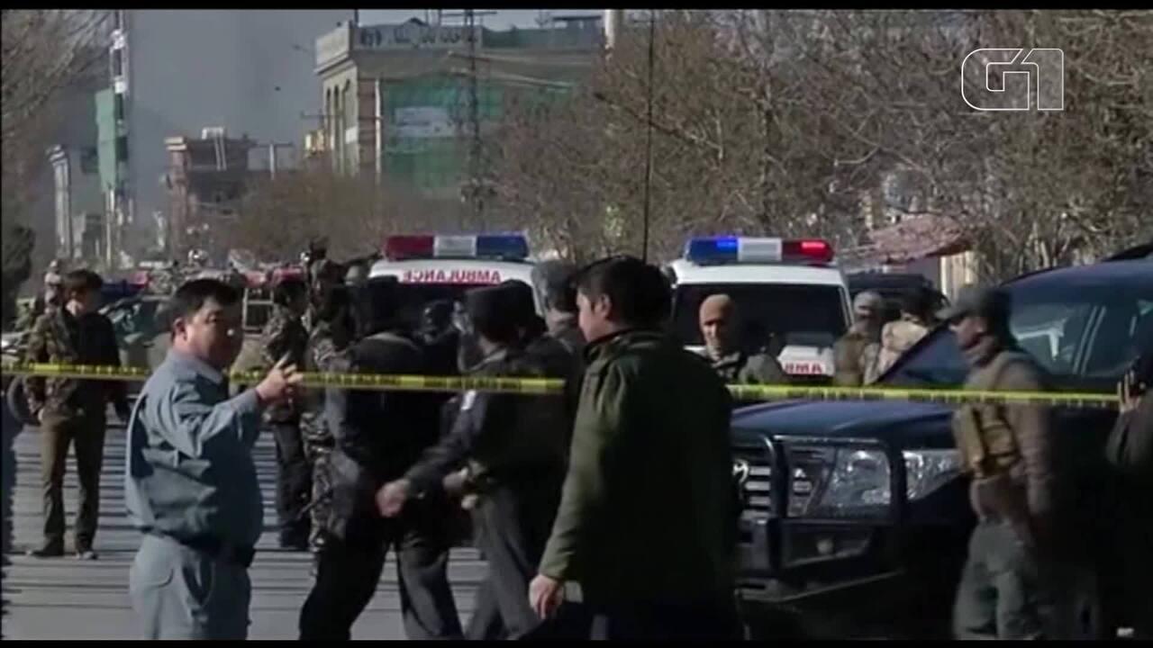 Resultado de imagem para Estado Islâmico reivindica atentado contra centro cultural em Cabul
