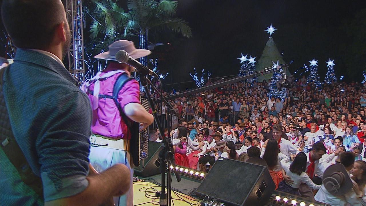 João Luiz Corrêa e Grupo Campeirismo se apresentam no 'Galpão Crioulo' (bloco 3)