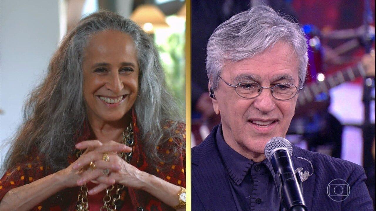 Maria Bethânia faz convite público a Caetano Veloso