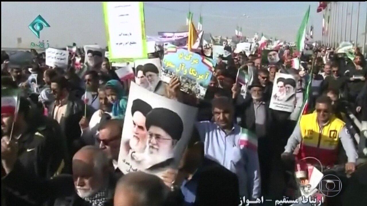 Milhares de iranianos saem às ruas de várias cidades do país em apoio ao governo