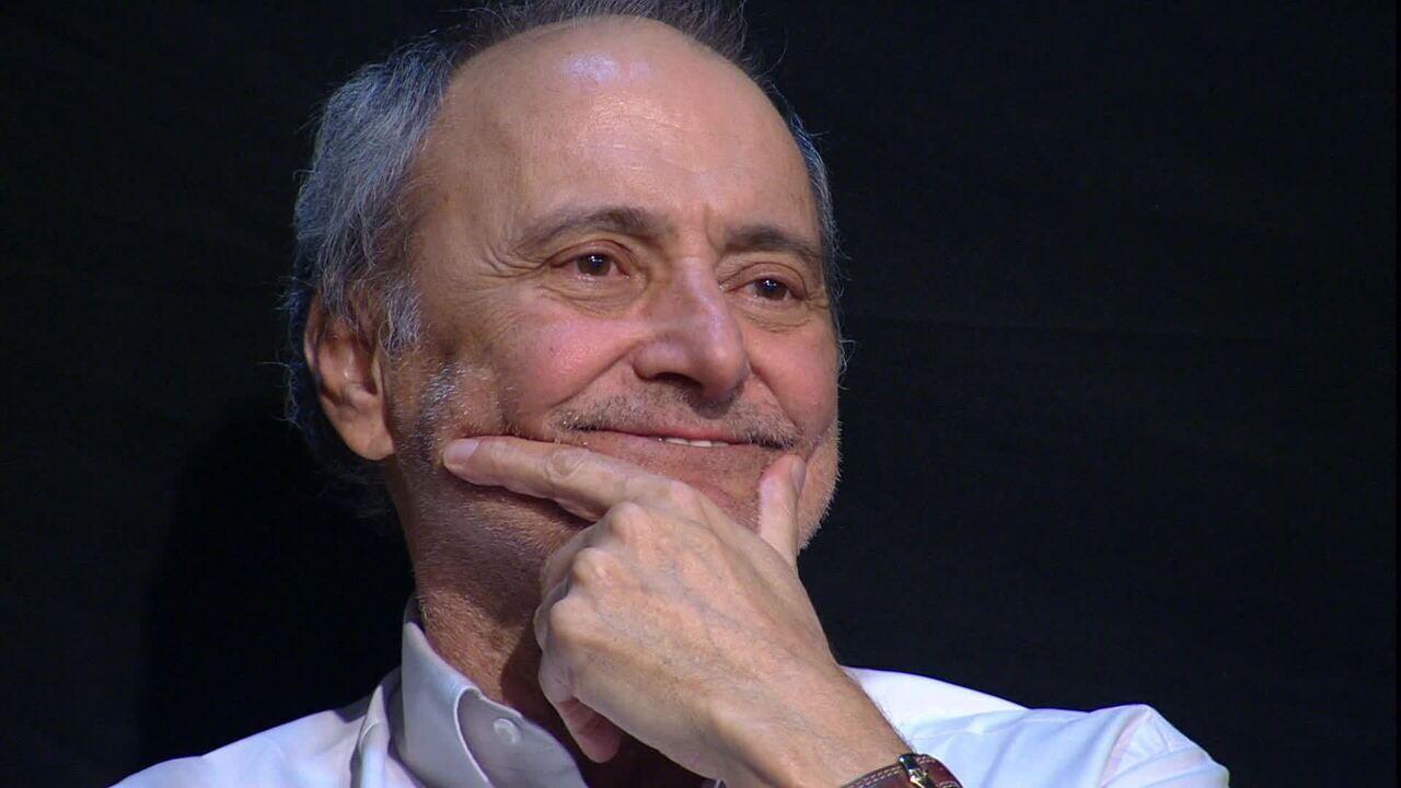 Marco Mora é homenageado por Galvão Bueno, no