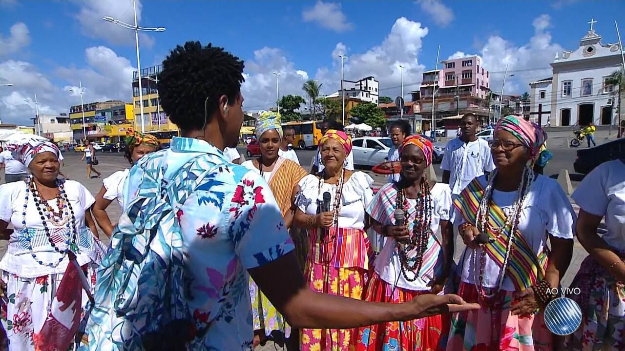 'Vumbora' se despede com a tradição das Ganhadeiras de Itapuã