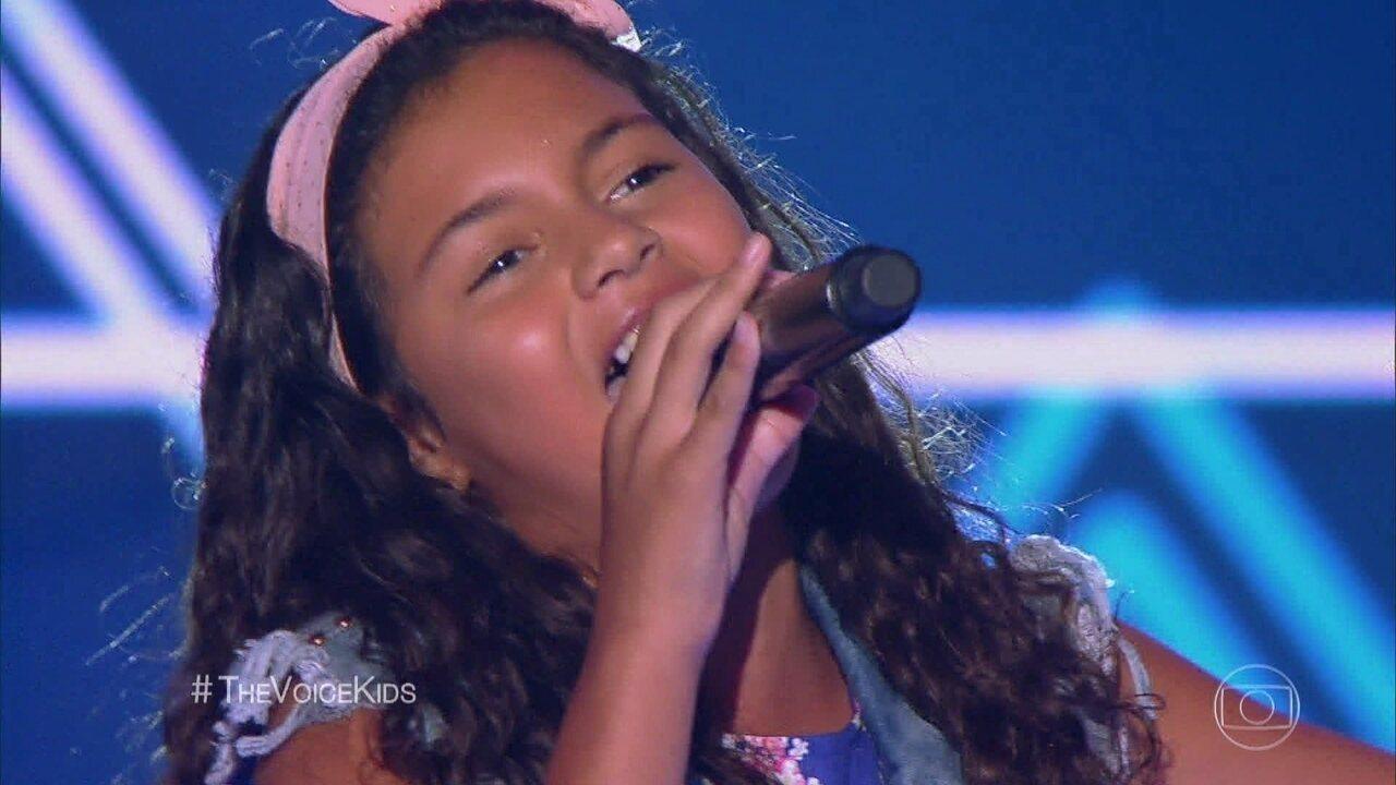 Ana Vitória canta 'Casinha Branca'