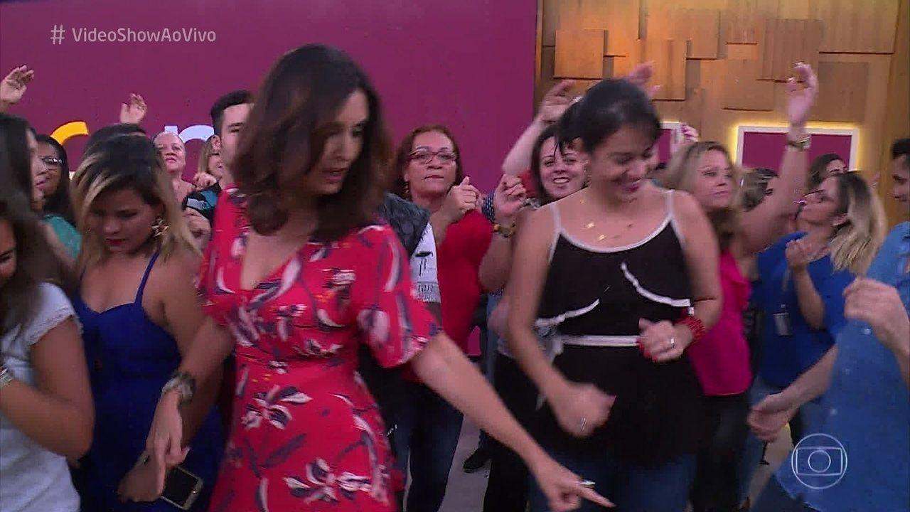 Fátima Bernardes reúne a sua galera e encara o desafio do funk
