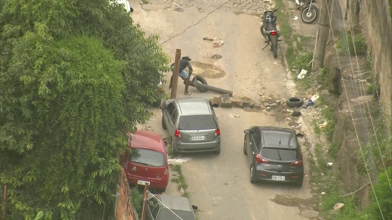 Polícia é acionada para roubo de eletrodomésticos na comunidade Camarista Méier