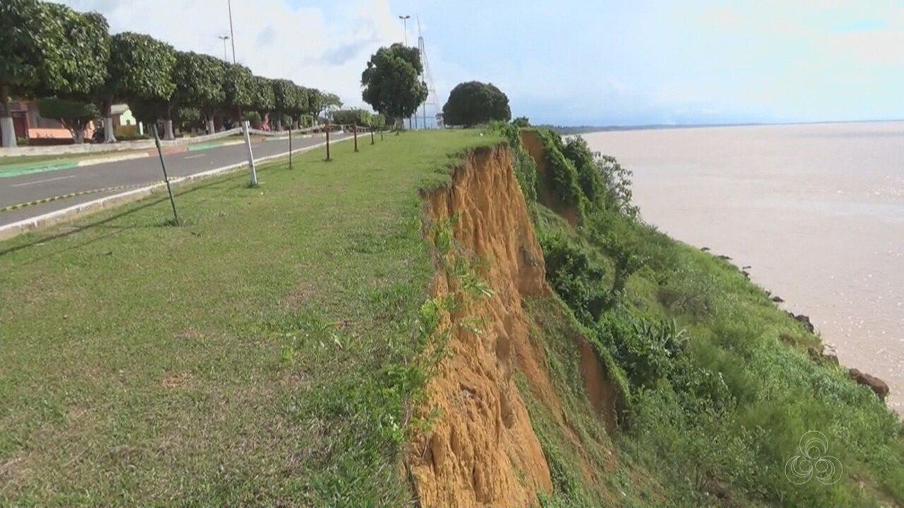 Fenômeno das 'terras caídas' ameaça rodovia em Urucurituba, no AM