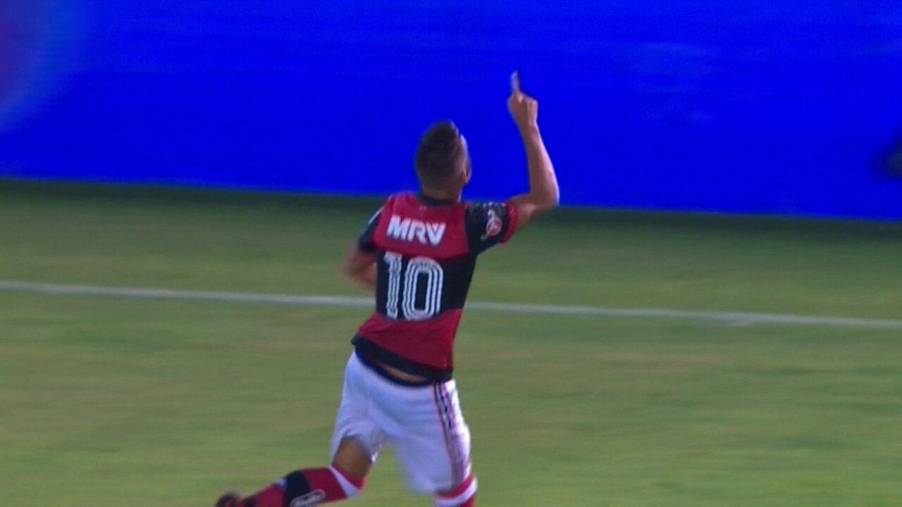 Gol do Flamengo! No contra-ataque, Pepê marca um golaço