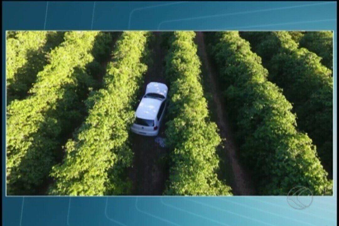 Polícia recupera carro roubado em Uberlândia, após vítima reconhecer assaltantes em TV