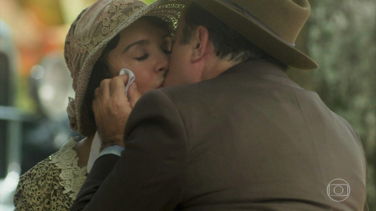 José Augusto beija Lucerne