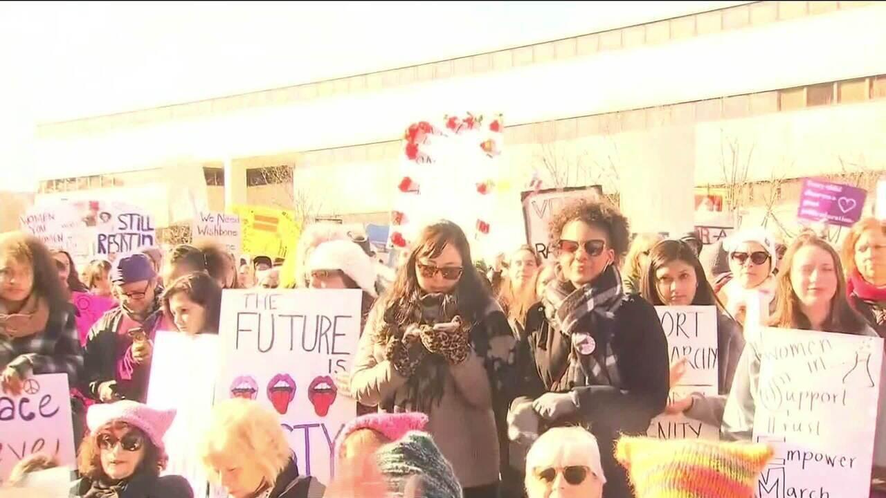 Manifestantes fazem nova edição da Marcha das Mulheres nos EUA