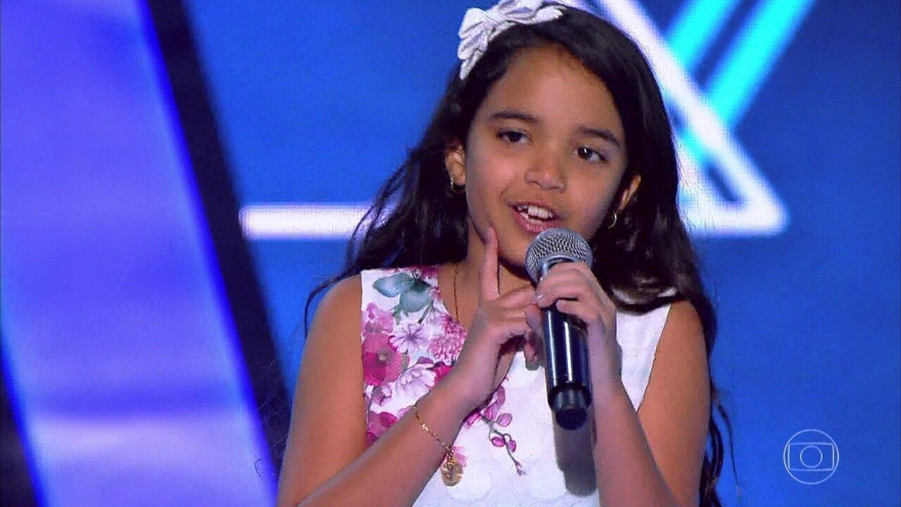 Mariah Yohana canta 'É de Chocolate'