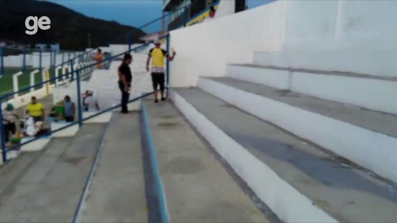 Vídeo da torcida do Flamengo de Arcoverde recolhendo lixo em estádio viraliza na internet