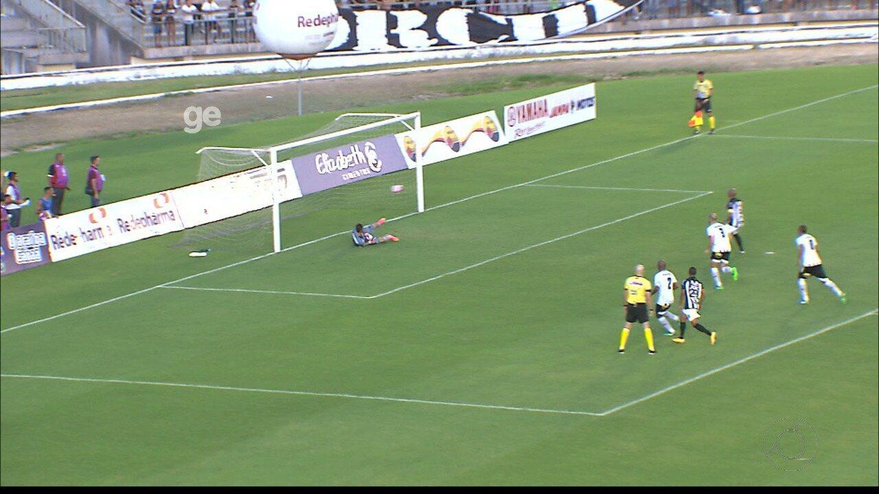 Reinaldo Alagoano desperdiça pênalti contra o Botafogo-PB