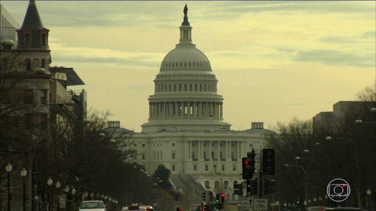 Senado dos EUA faz acordo para fazer governo voltar a funcionar