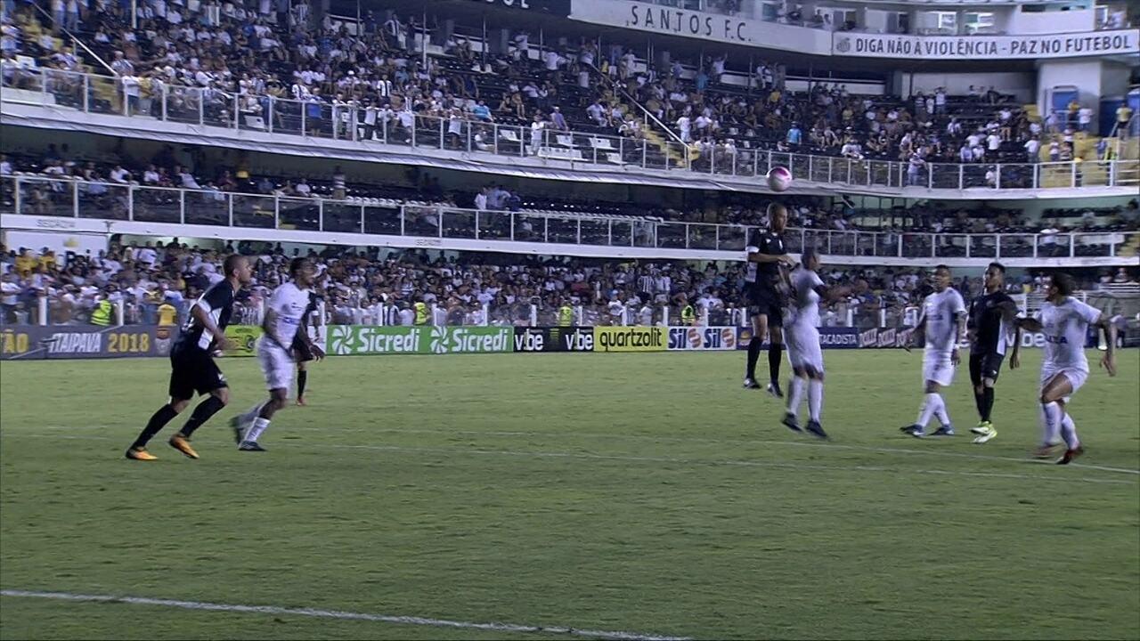 Em vídeo, Santos dá camisa a Gabigol: 'Essa eu nunca tirei'