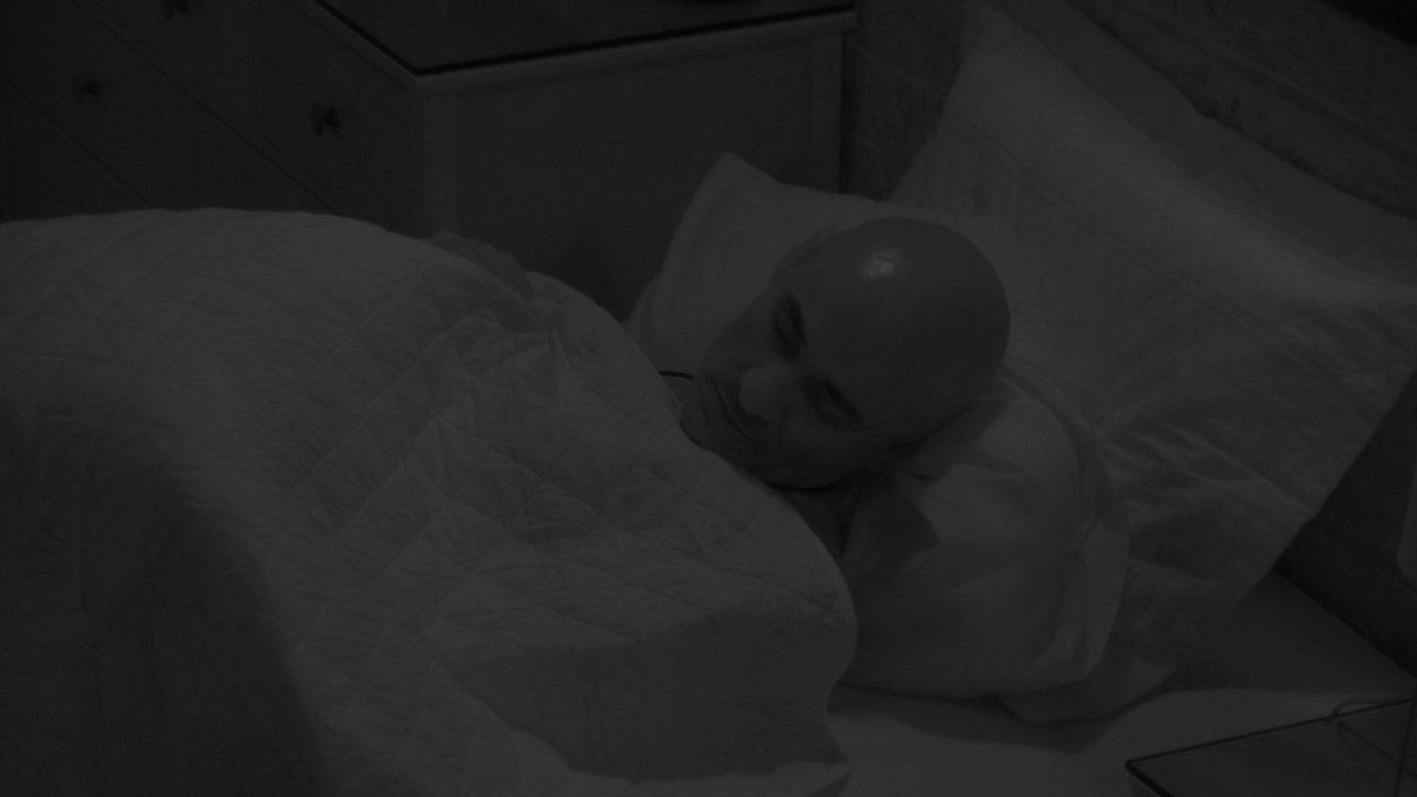 Ayrton e Eva dormem no Lar da família Lima