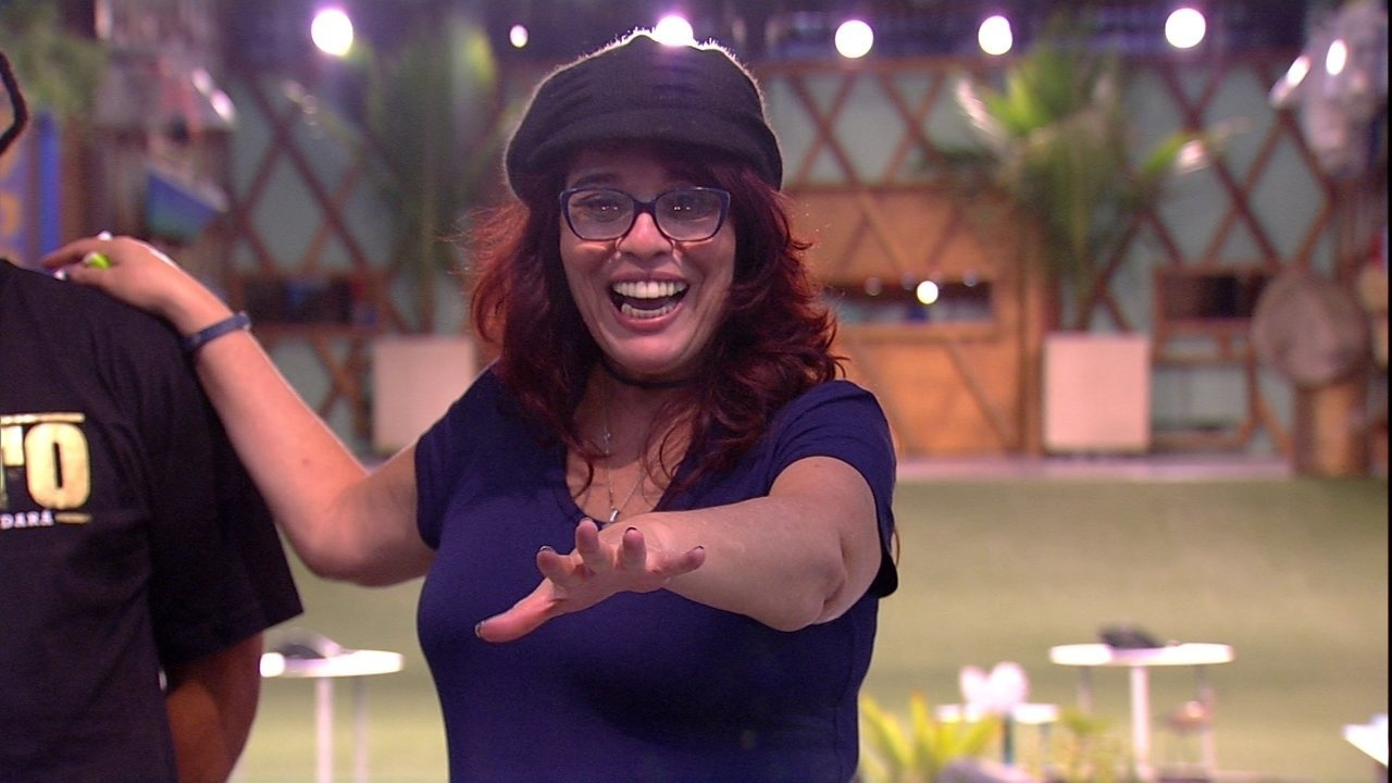 Mara propõe troca de camas a Ana Paula: 'A gente quer te botar em uma vassoura'