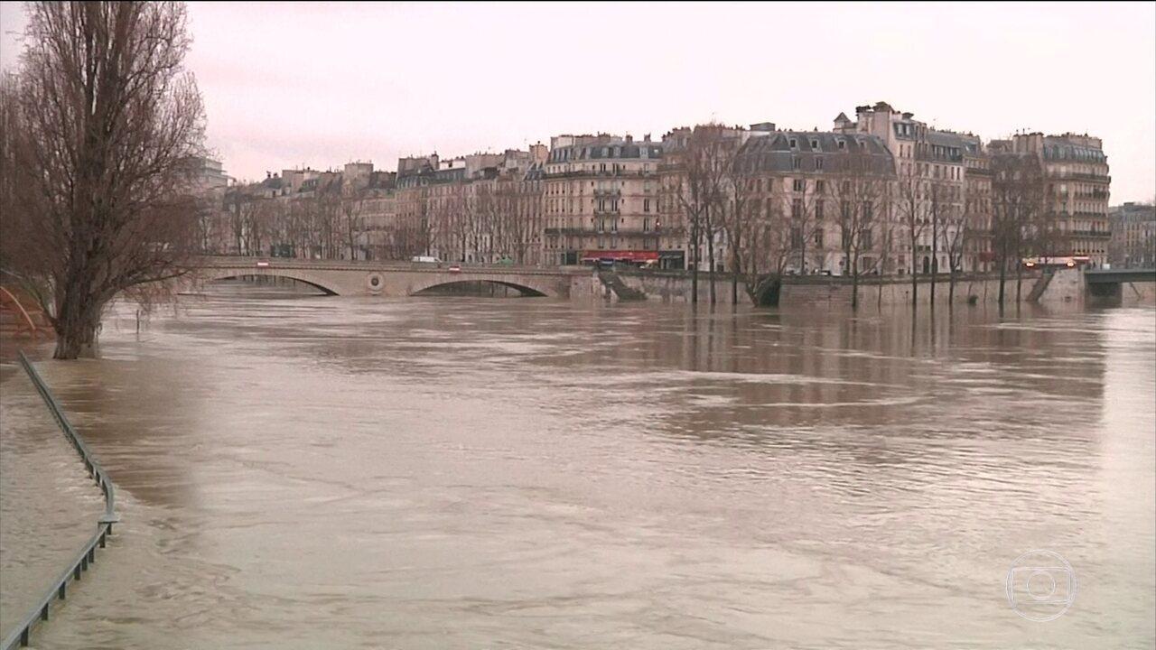 Enchente em Paris pode ser a pior em 30 anos