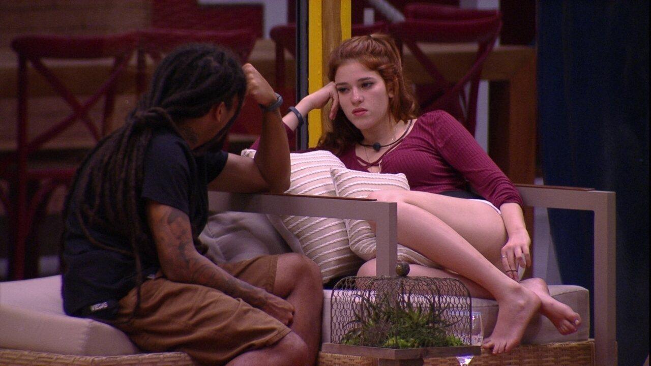 Ana Clara desabafa com Viegas: 'Tô cansada fisicamente e emocionalmente'