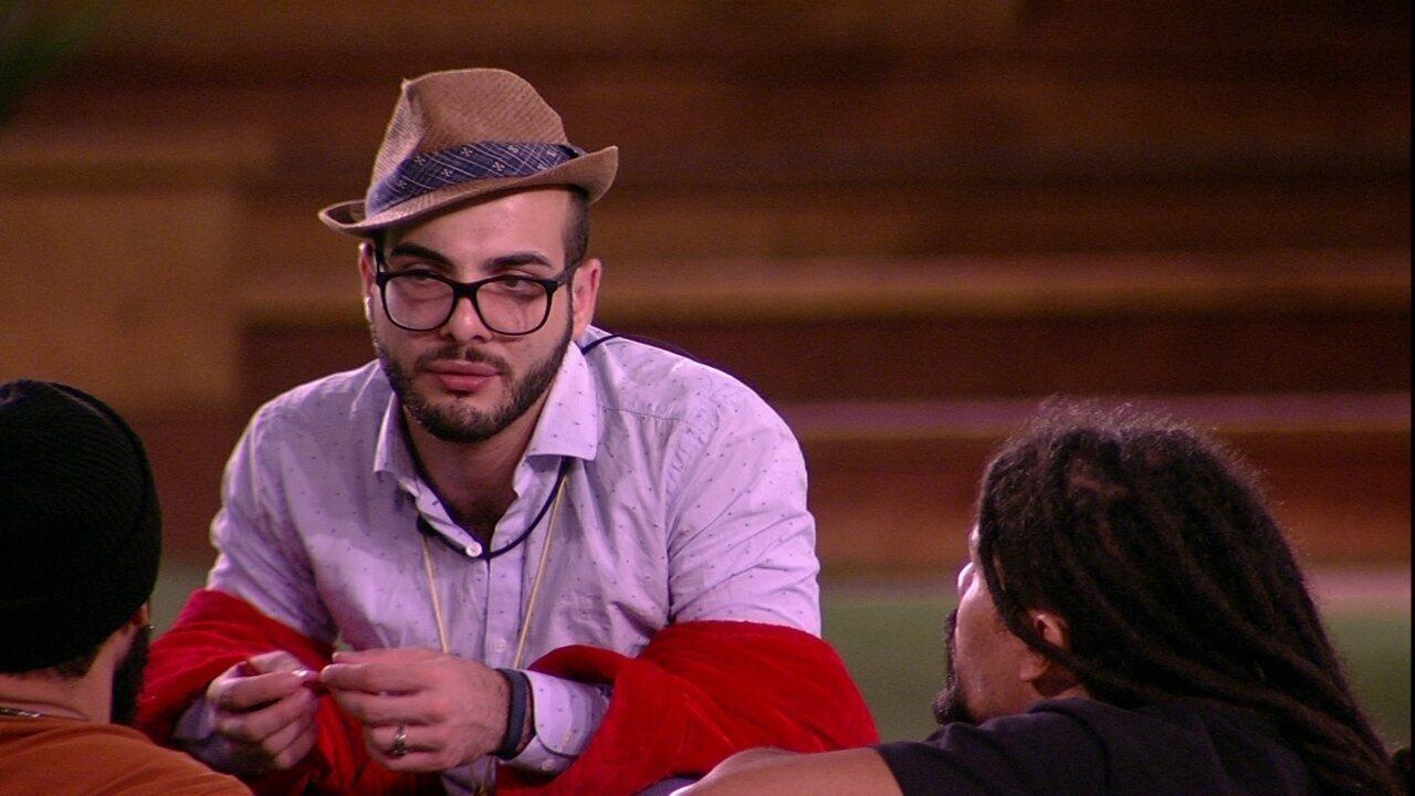 Mahmoud: 'As pessoas estão cansadas de ouvir gente chamando outro de falso'