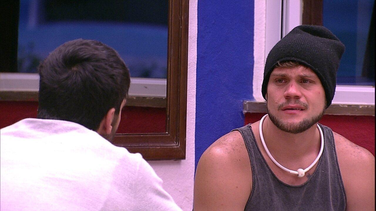 Breno e Lucas falam sobre comportamento de Mara