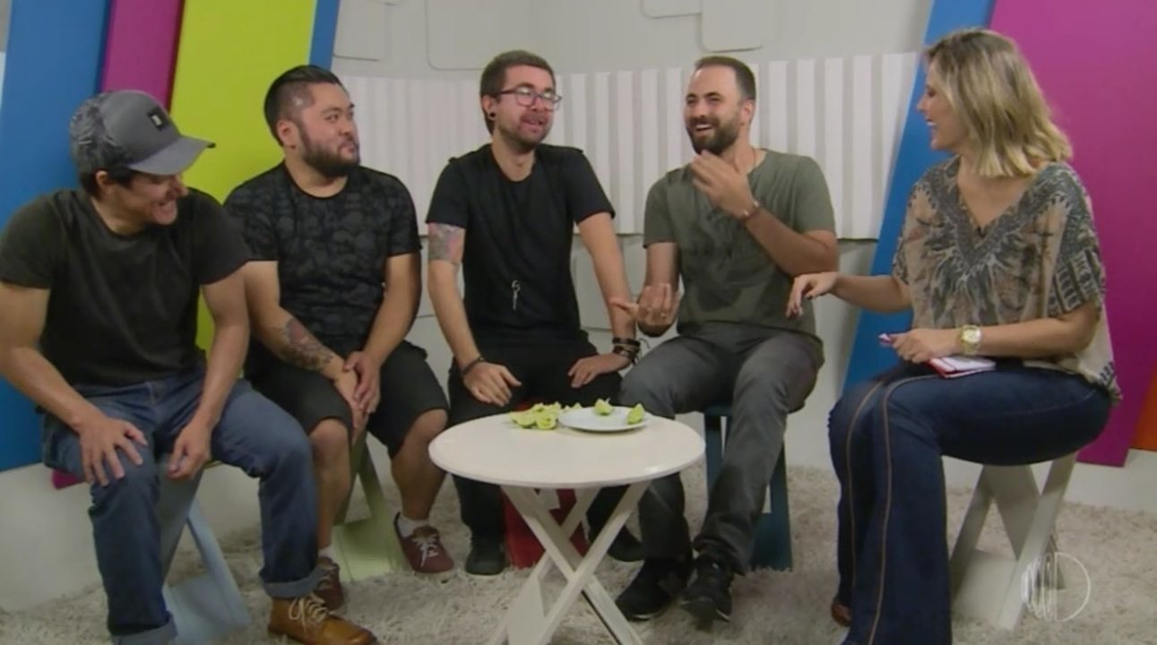 Limados aceitam desafio do 'Eu Nunca'
