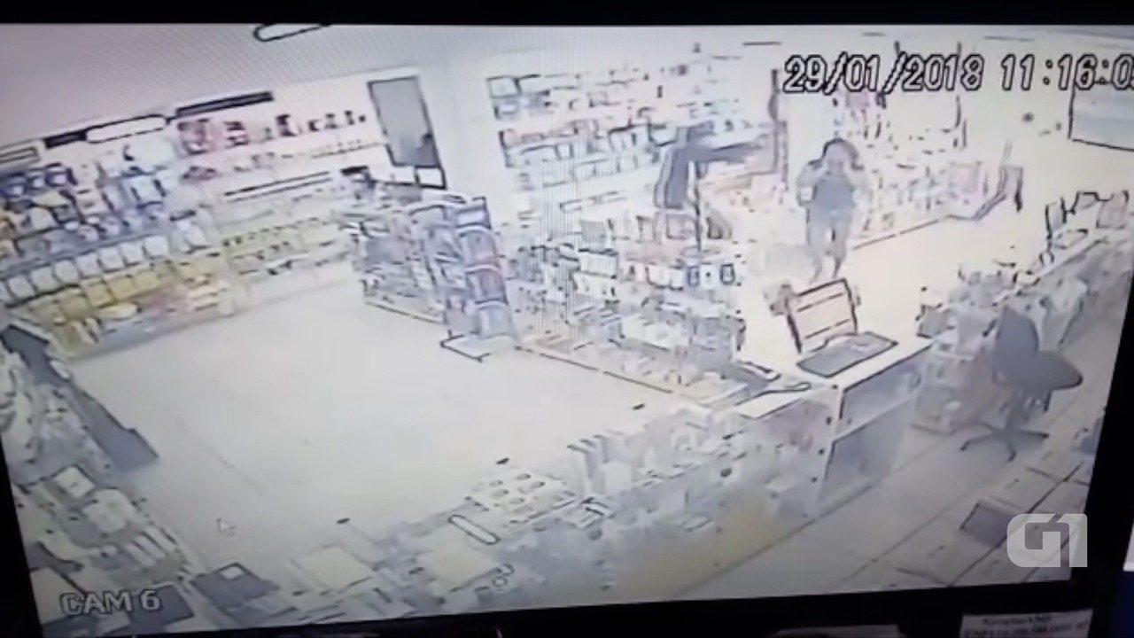 Vídeo mostra troca de tiros entre bandidos e PM nesta segunda (29) em Natal
