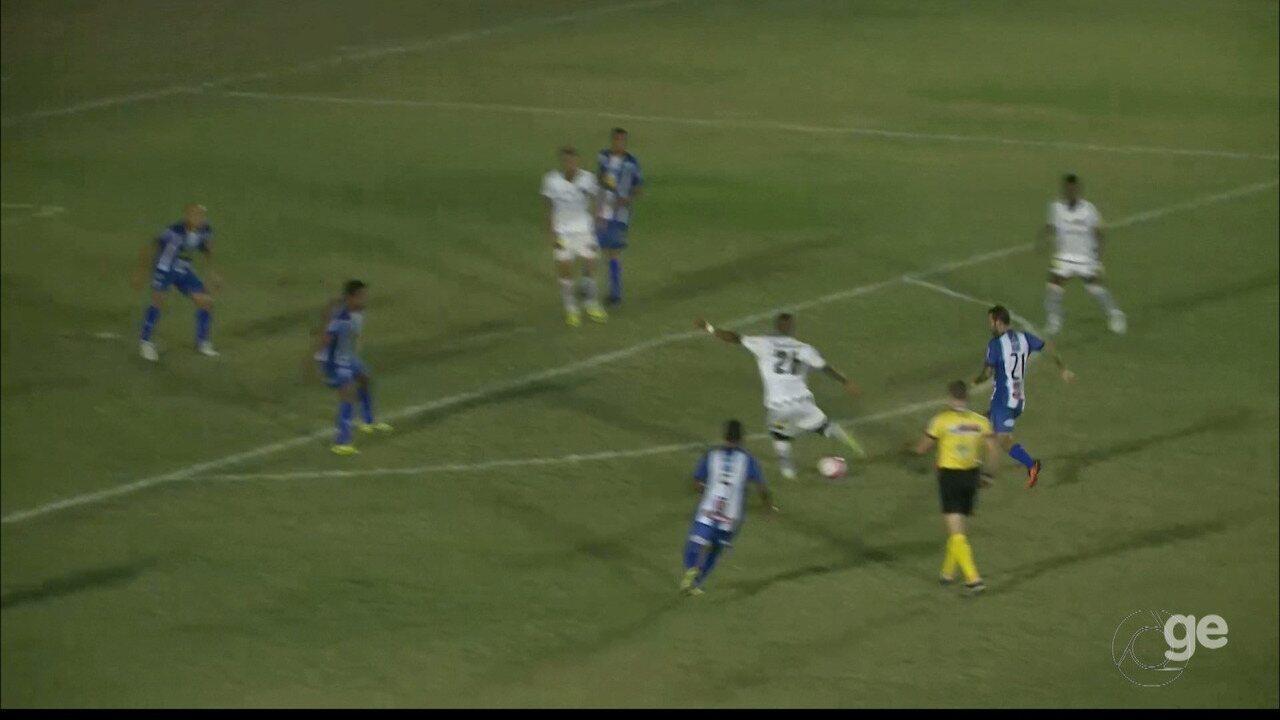 Netinho marca um bonito gol para o Botafogo-PB contra o Atlético-PB