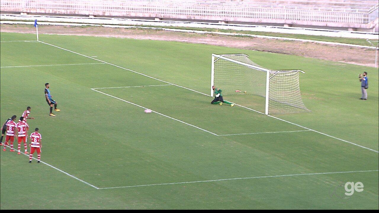 Hélio Paraíba marca os dois gols da vitória do CSP sobre o Auto Esporte