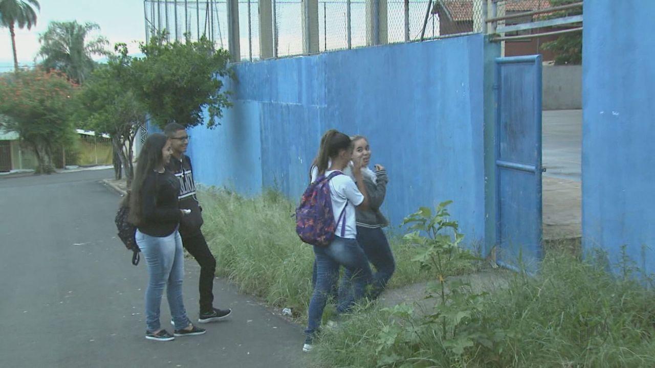 Alunos de Porto Ferreira, SP, ficam sem merenda no primeiro dia de aula