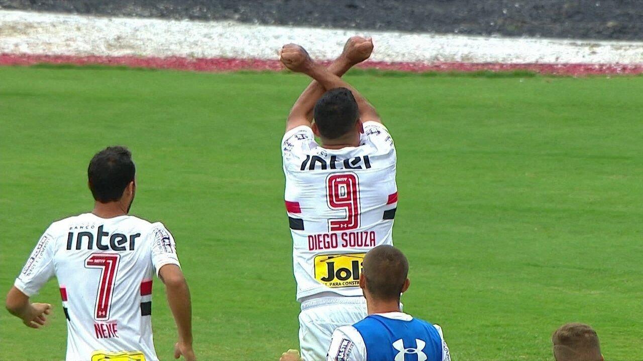 Gol do São Paulo! Reinaldo cruza e Diego Souza desvia para dentro, aos 05' do 2º tempo
