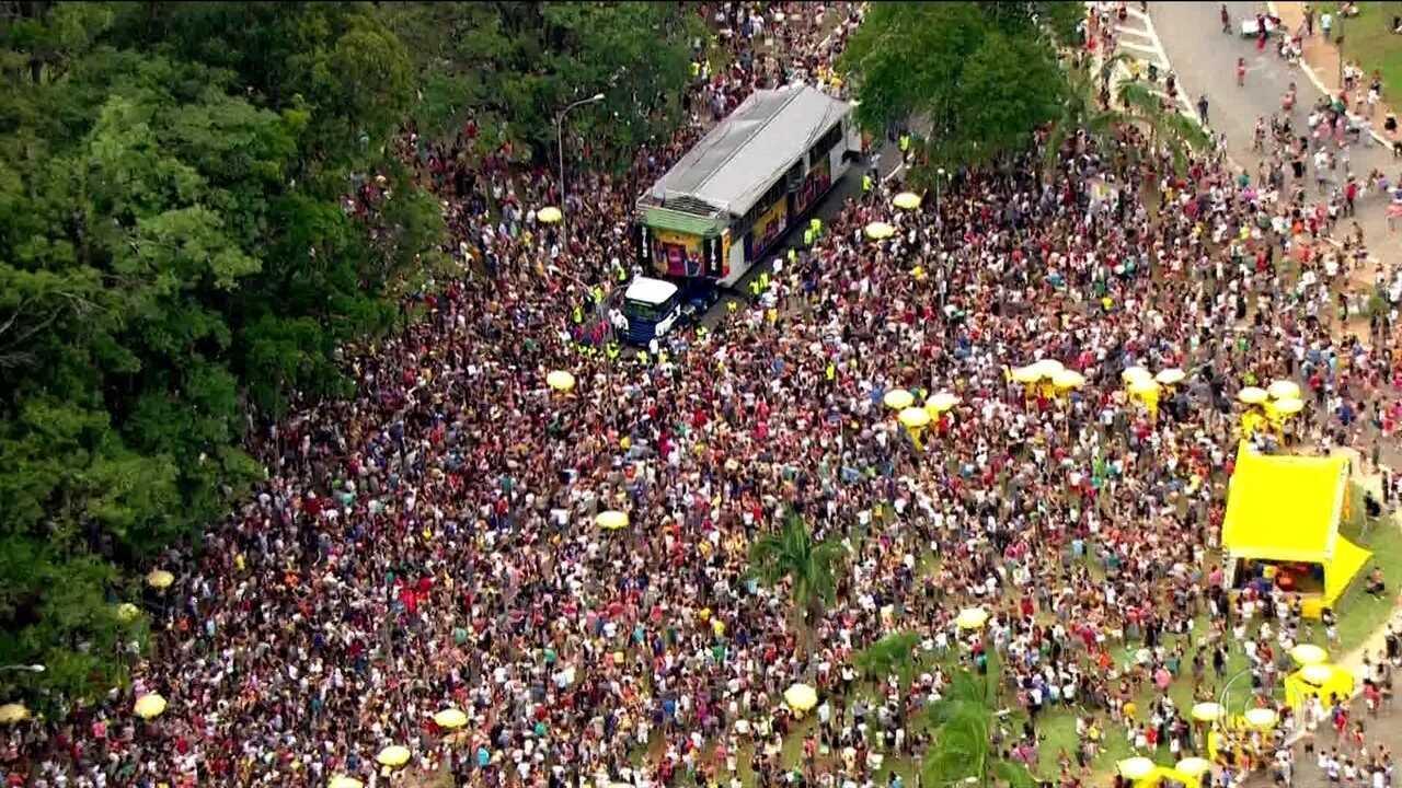 Cento e seis blocos nas ruas de São Paulo só neste sábado