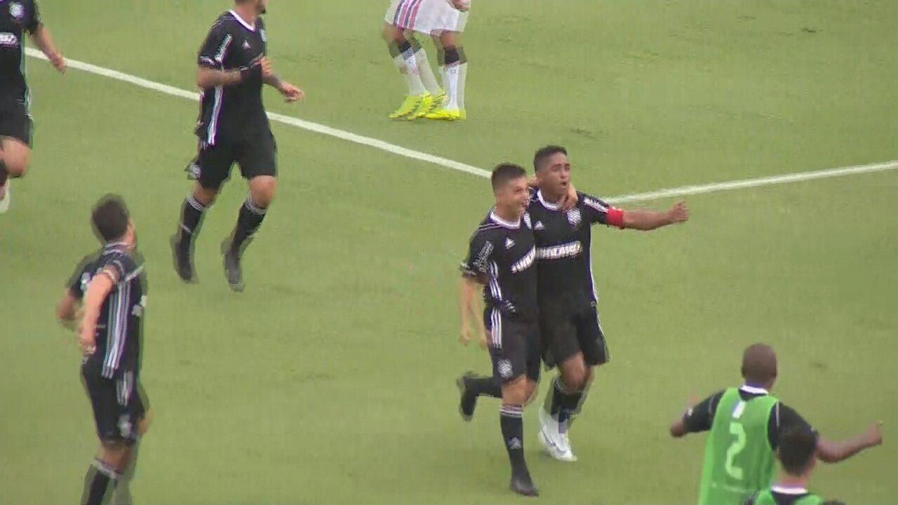 Gol do Figueirense! Jorge Henrique sobe de cabeça e marca contra o JEC