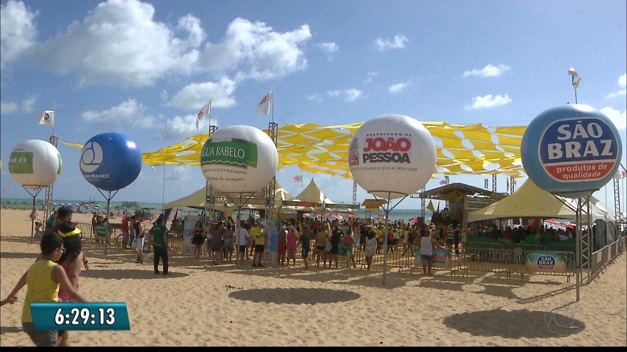 'Verão Numa Boa' chega ao fim com serviços gratuitos em praia de João Pessoa