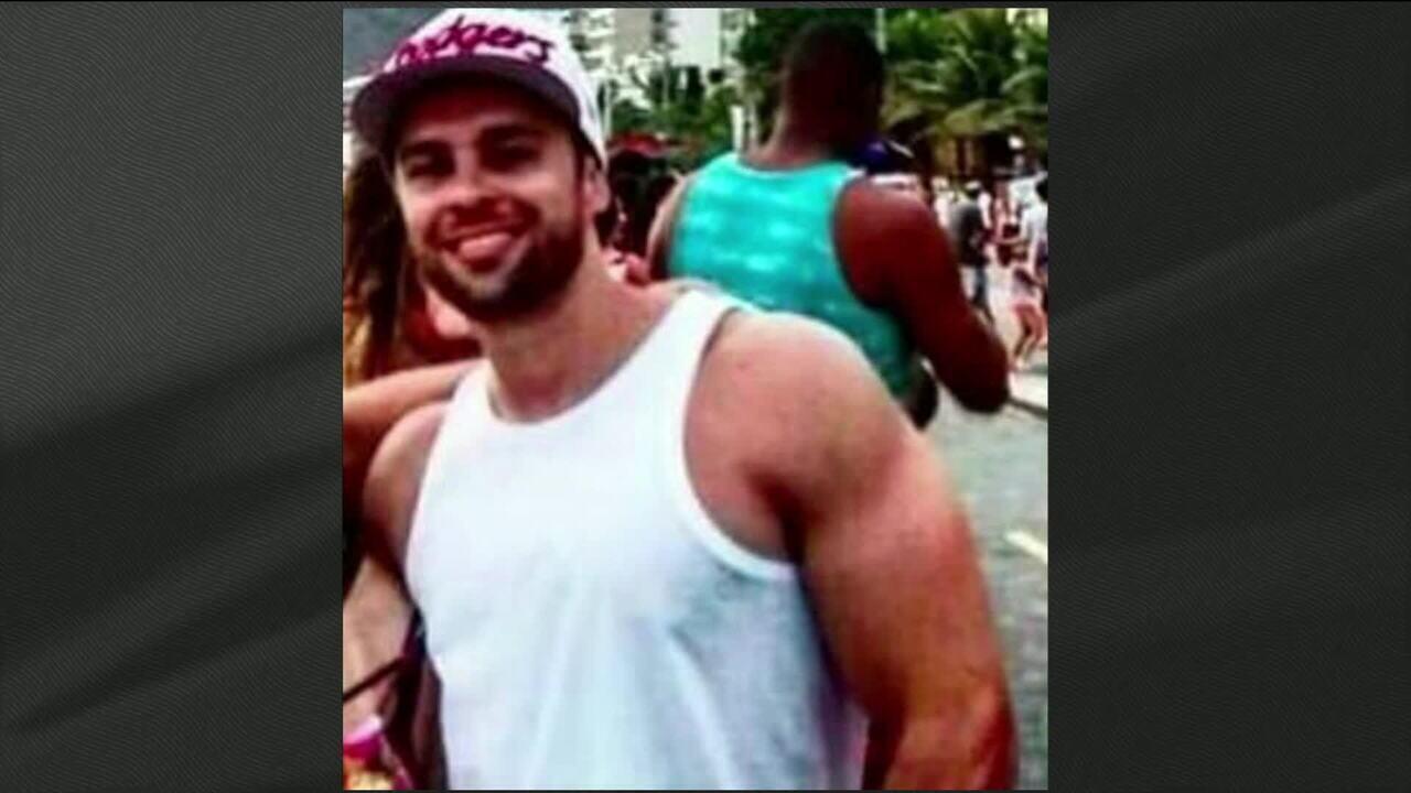 Dois homens morreram baleados em São Paulo, após fazerem xixi em posto