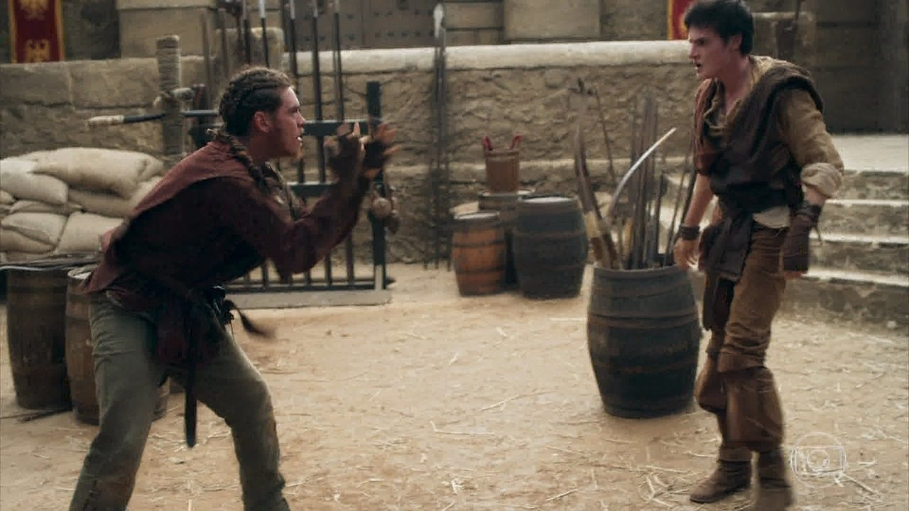 Saulo e Ulisses brigam e Romero interfere