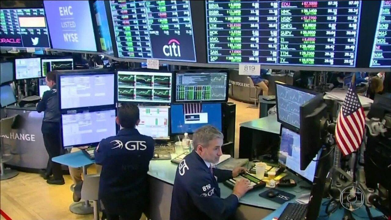 Bolsas de Nova York e SP reagem, mas continua a preocupação com os juros nos EUA