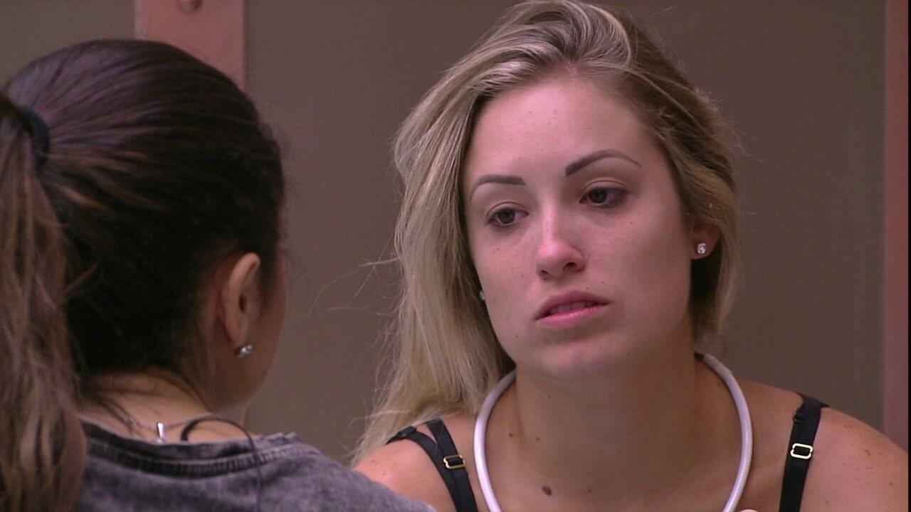 Jéssica pede para Paula: 'Uma tem que cuidar da outra'