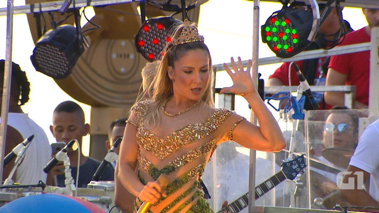 Veja um trecho dos melhores de Claudia Leitte na quinta (8) de carnaval em Salvador