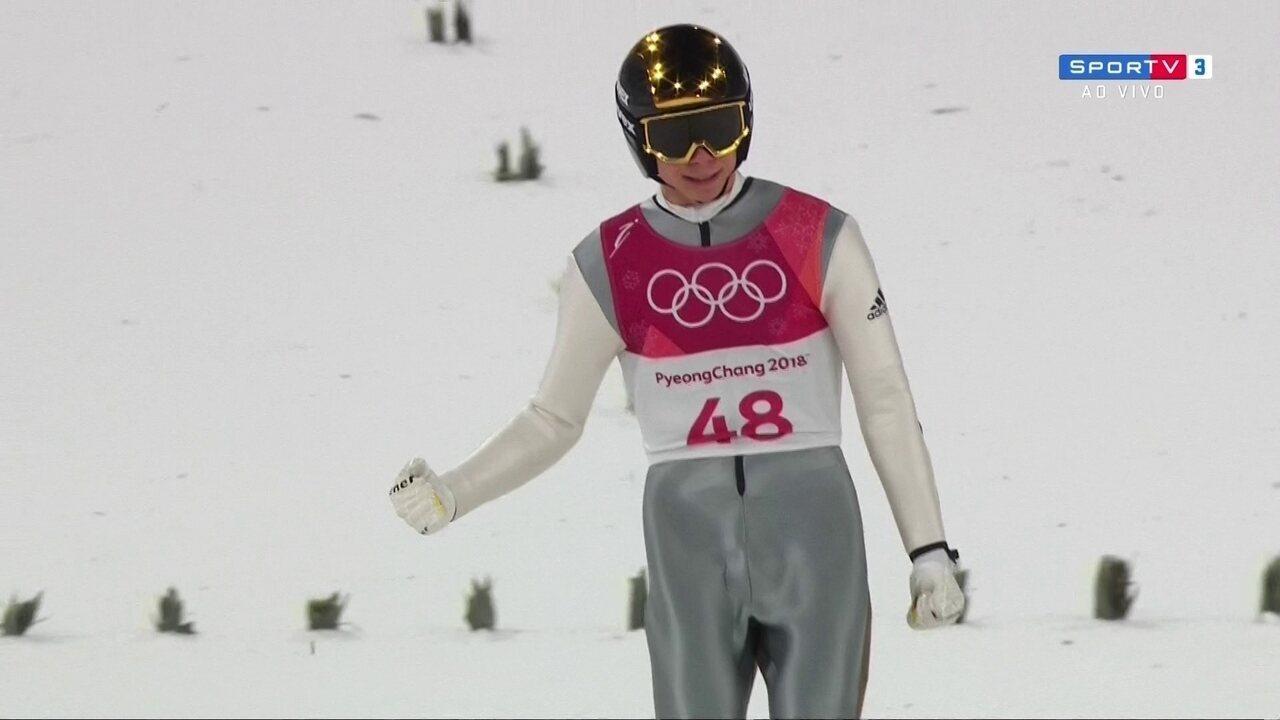 Andreas Wellinger conquista o ouro no salto com esqui, em PyeongChang