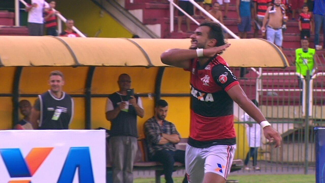 Gol do Flamengo! Diego cruza e Paquetá arruma para Dourado marcar aos 3 do 2º tempo
