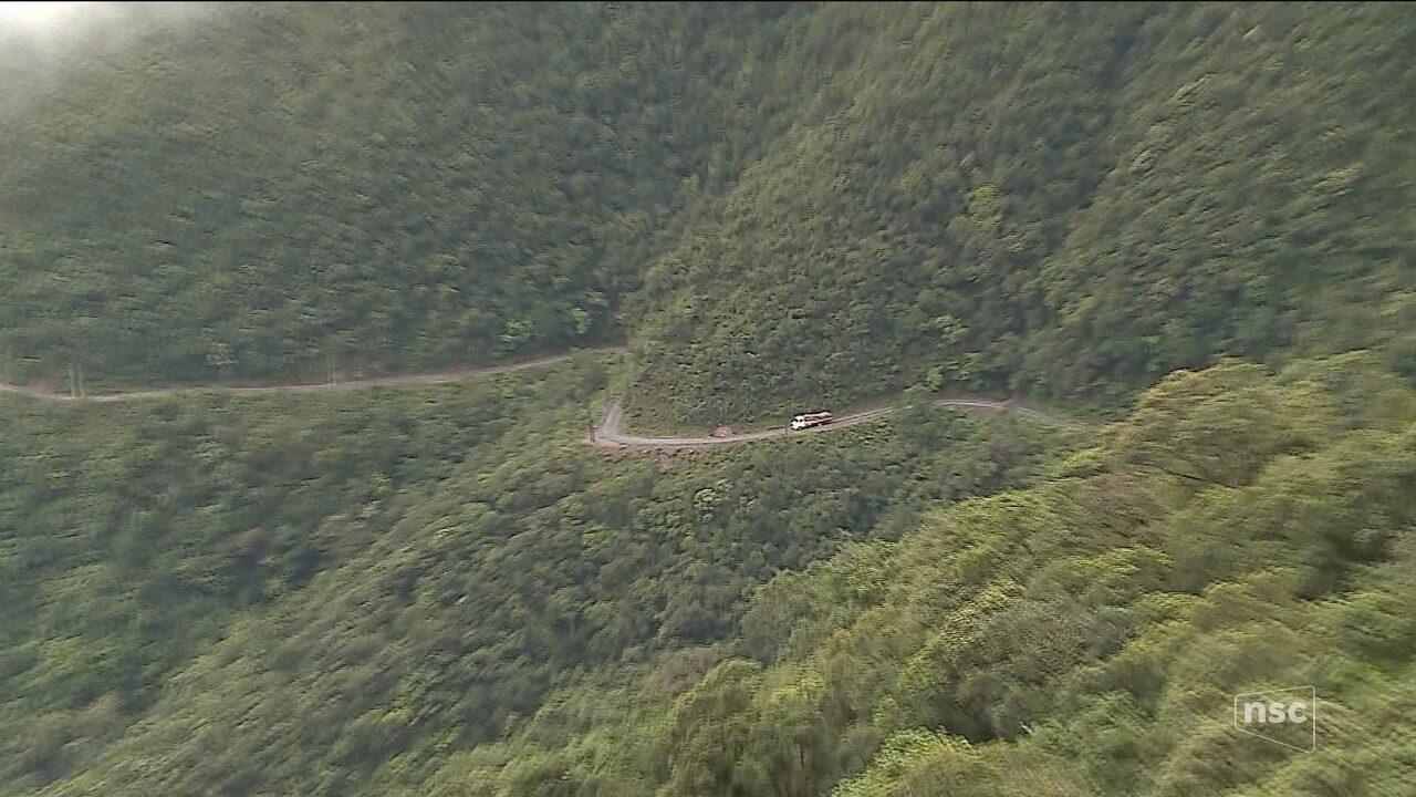 Sem pavimentação, estrada que leva a Serra do Corvo Branco está comprometida