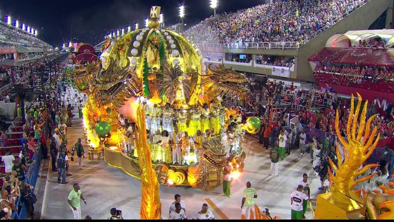 Coroa do Império Serrano vem ladeada por dragões chineses no abre-alas